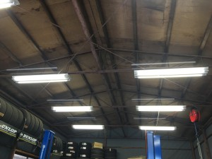 工場内LED照明交換